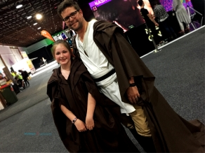 Star Wars Cosplay.. a very cute pair.. there's always be Jedi's around..