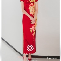 #QIPAO #旗袍 #Cheongsam |#榕缇新中式嫁衣定制 #RongtiDesign  #November2020| #FashionLookBook your everyday  timeless #TraditionalChineseQipao #Cheongsam #RedQipao your individual handcrafted sewn red embroidered cheongsam with golden luan, flying like a flying phoenix …